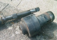 M59 RH Axle and LSD unit.jpg